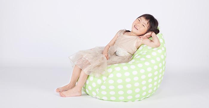 有关儿童沙发如何选择也是非常的重要哦!