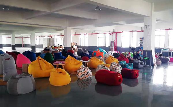 懒人沙发定做 客户来工厂参观这些细节很重要