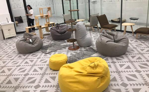 东莞客户告诉你为什么找懒人沙发工厂要到尚都家居?