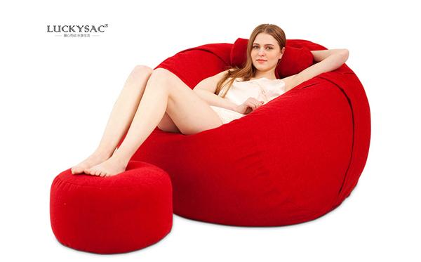 客户的朋友赞叹:尚都家居luckysac懒人沙发更舒适!